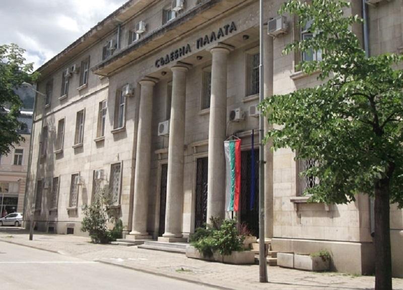 Окръжният съд във Враца задържа под стража ученик заради разпространението на наркотици