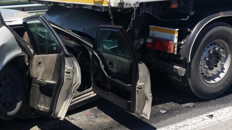 Мъж загина в катастрофа с камион край Бургас