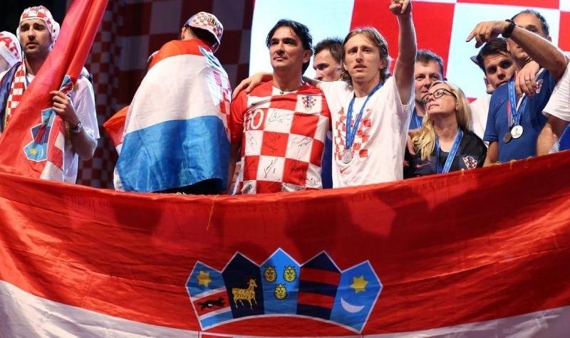 Футболистите и спортно-техническият щаб на световният вицешампион Хърватия ще дарят