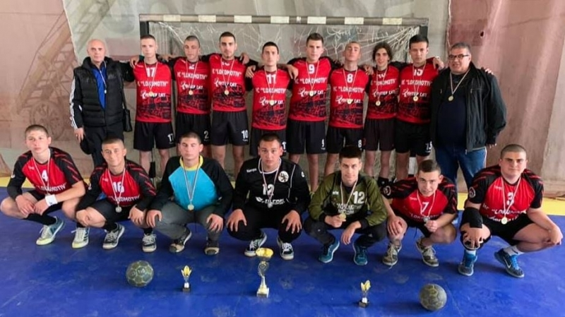 """Mладите хандбалисти от Мездра са есенни лидери в Зона """"Витоша"""""""