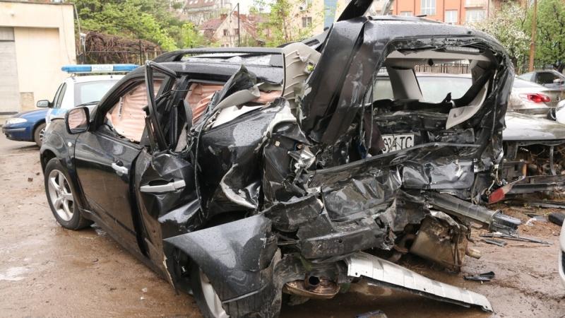 Разследването за катастрофата, при която загина журналиста Милен Цветков, е