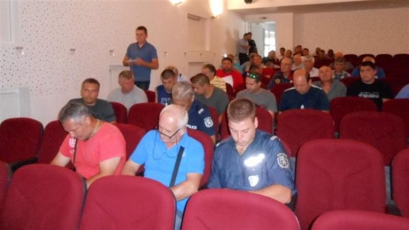 Ловците от Белоградчик преминаха инструктаж във връзка с надзора на