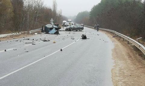 Тежка катастрофа е станала на пътя Търговище – Омуртаг между