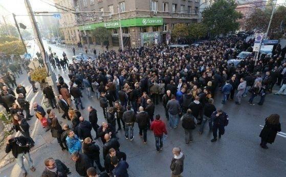 Протестите – заради липсата на доверие в политиците ни
