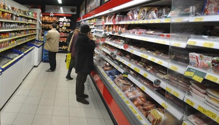 Възрастна жена откраднала хранителни продукти от магазин, съобщиха от полицията