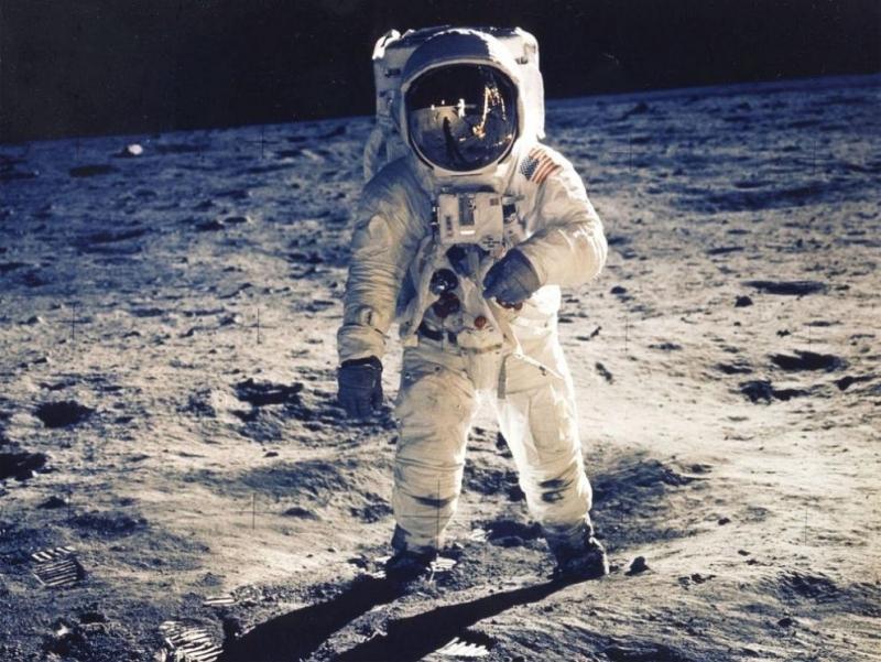 САЩ ще се завърнат на Луната след почти 50-годишна пауза