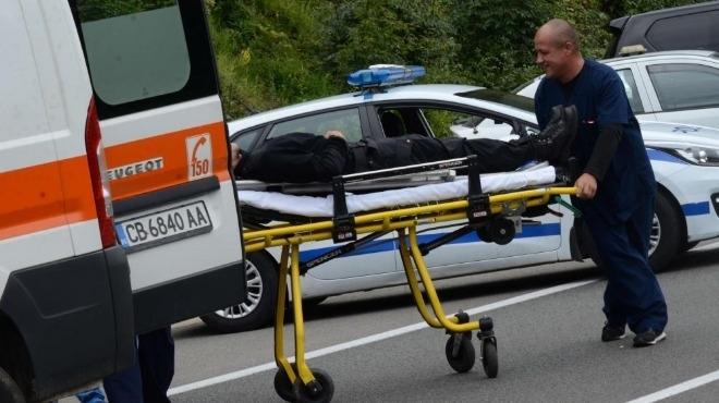 Пешеходец е загинал на място, след като е бил блъснат