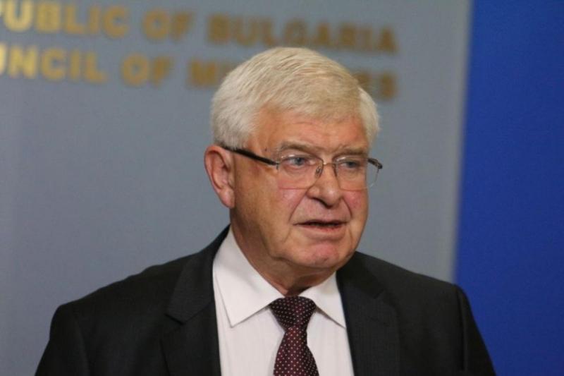 Министърът на здравеопазването забрани износа на лекарства на хининова основа