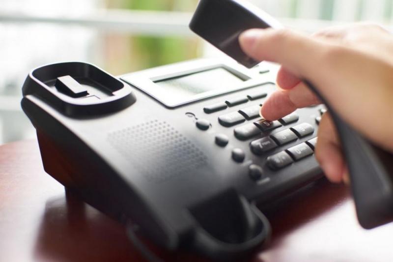Общини и болници масово разкриват телефонни линии за оказване на