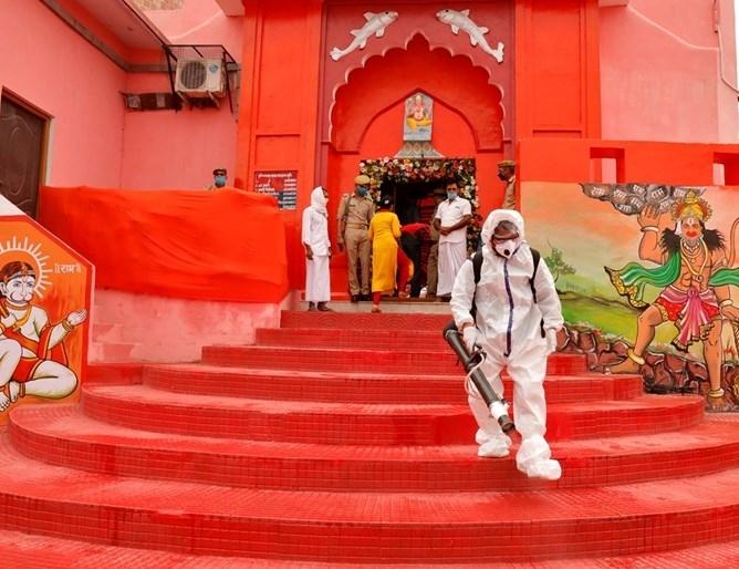 Индия регистрира най-големия брой смъртни случаи на пациенти с коронавирус