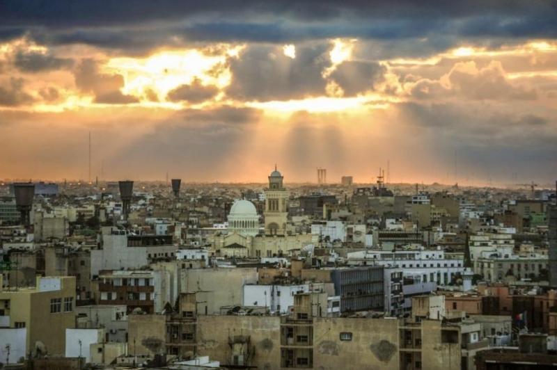 Въоръжена група прекъсна главния водопровод на обсадената либийска столица Триполи,