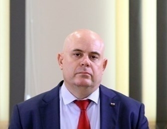 ВСС повторно избра Иван Гешев за главен прокурор. Той отново