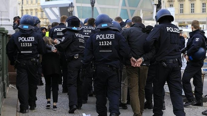 Германската полиция обискира днес три апартамента в западногерманския град Офенбах