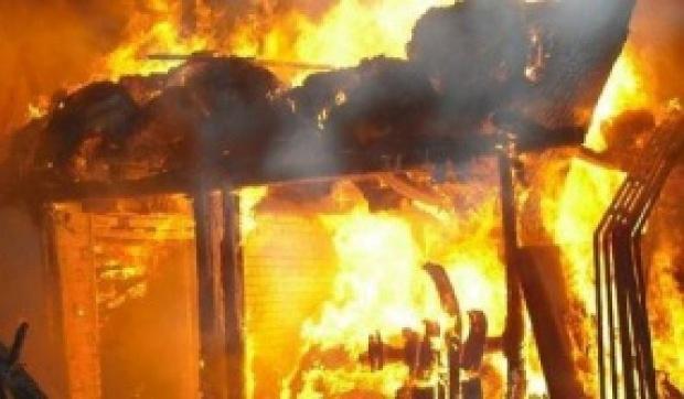 Неизвестен е запалил павилион във Враца, съобщиха от полицията. На