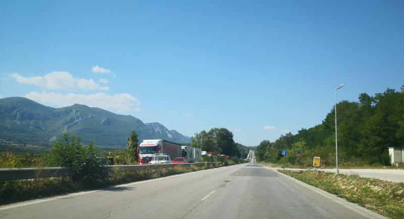 Ограничено е движението на главен път Е-79 между Враца и