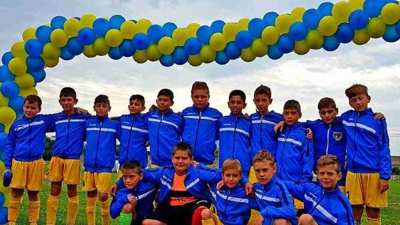 """Двата отбора на ДФК """"Прециз"""" спечелиха турнира по футбол за деца в Монтана"""