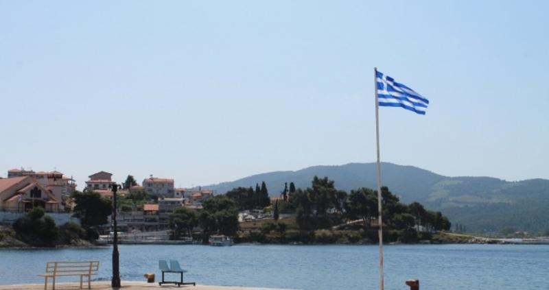 Вдигат пенсиите на най-малко 450 000 хиляди гърци