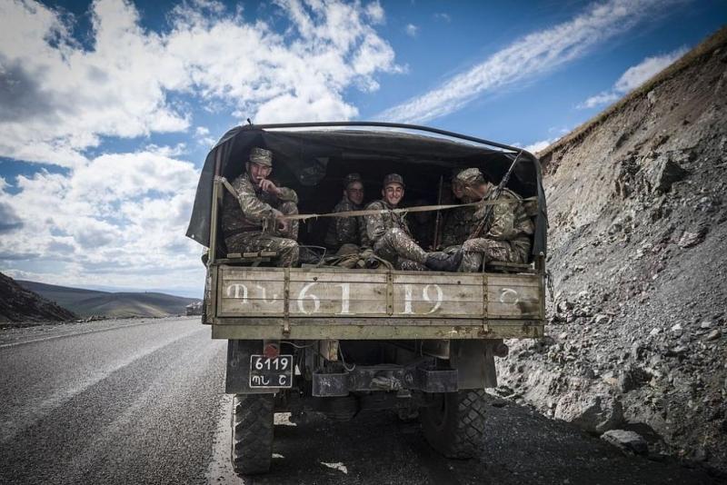 Азербайджан обвини Армения за убийство на 14 цивилни при ракетен обстрел