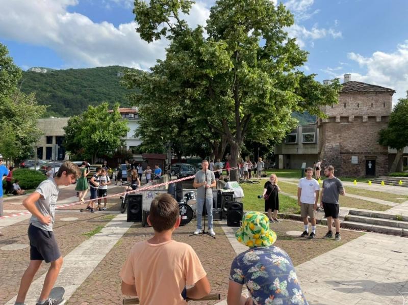 """Десетки скейтъри от града участваха в събитието """"Go Skateboarding Day"""","""