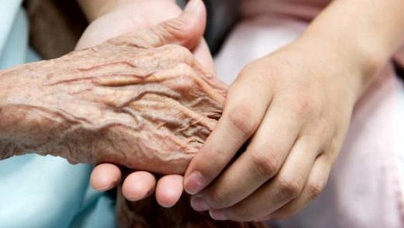 Домашен помощник обгрижва 4 възрастни жени в мездренско село