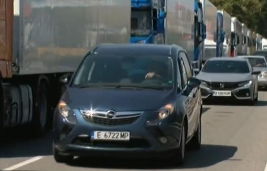 Хиляди българи тръгват на път за втората серия почивни дни