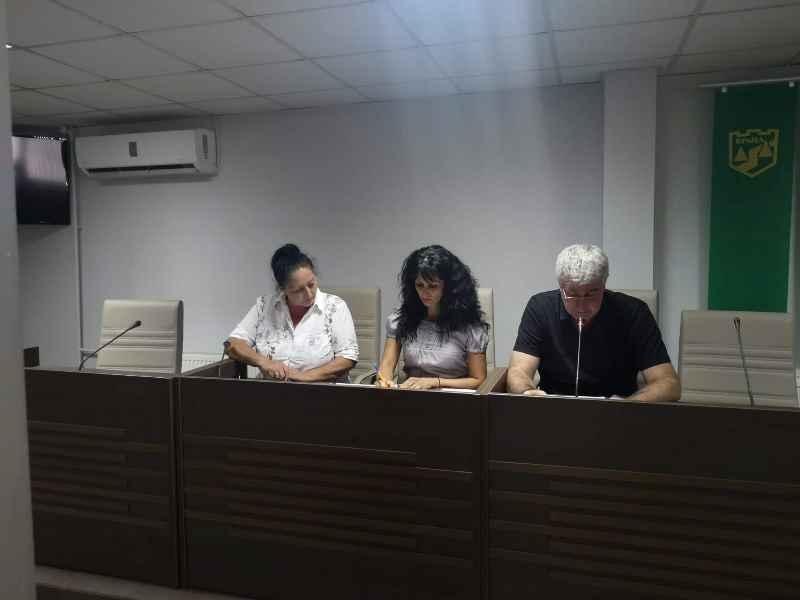 Днес на извънредно заседание на общинския съвет във Враца се