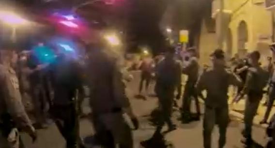 12 души бяха арестувани, а стотици други разгонени от израелската