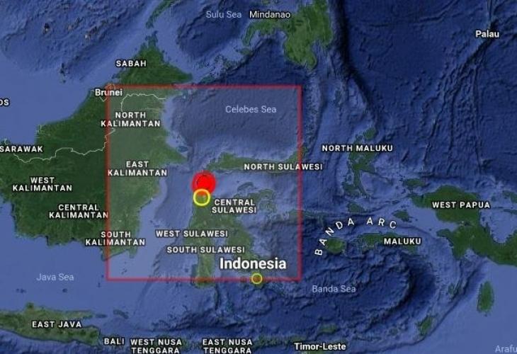 Мощно земетресение от 7,7 по Рихтер разлюля индонезийския остров Сулавеси.