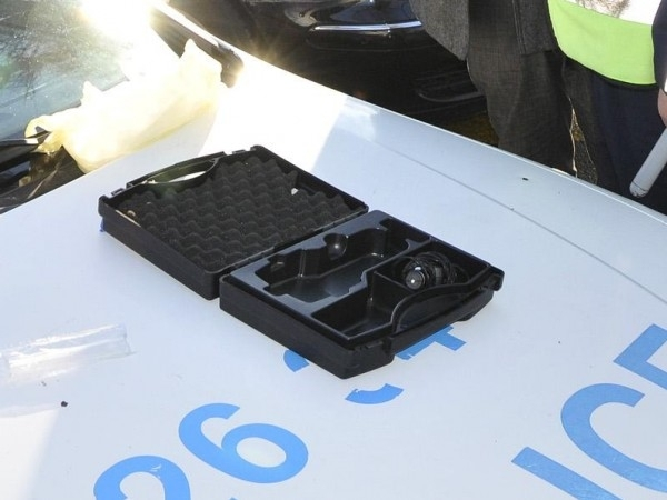 Пиян шофьор блъсна патрулен автомобил в опит да осуети полицейска
