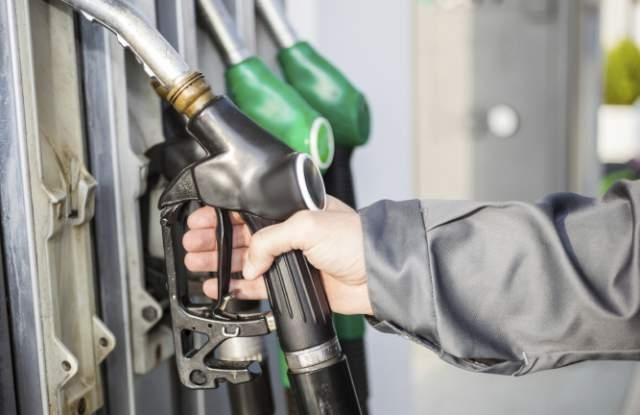 Малките бензиностанции извоюваха отсрочка на новия закон за регулиране на