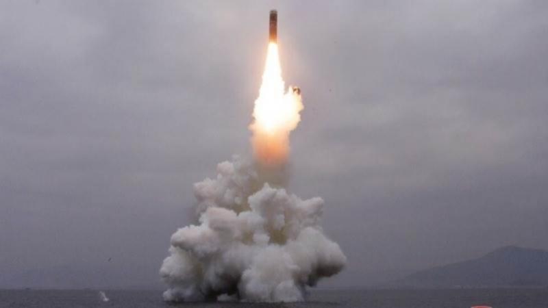 Северна Кореяе извършила днес изпитание на две балистични ракети с