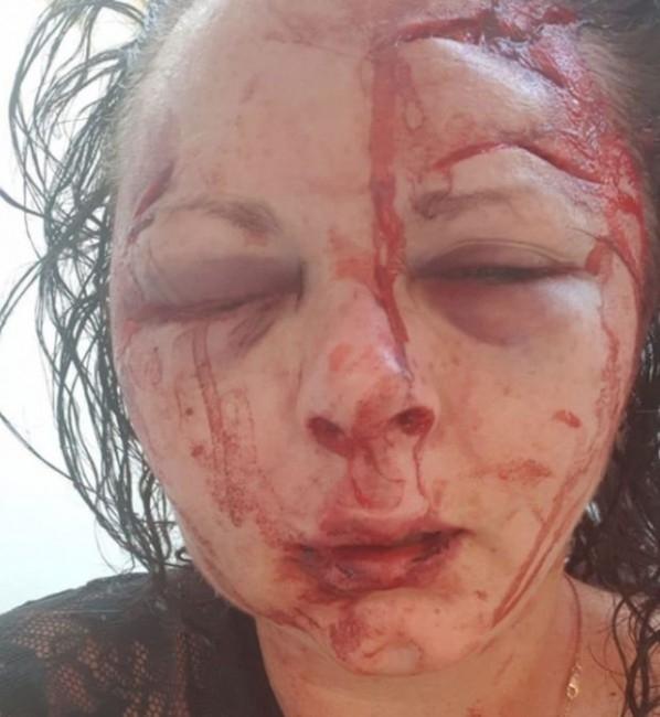 Млада жена отказа секс на англичанин в Мармарис и той