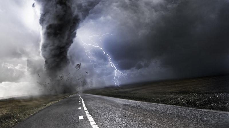 Торнадо достигна късно снощи Северен Далас и остави над 100