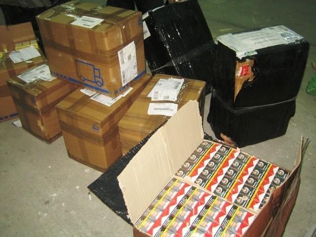 134 660 къса (6733 кутии) цигари откриха митнически служители в