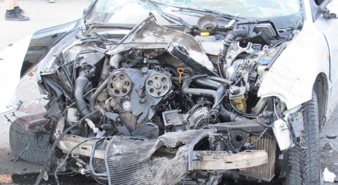 17-годишен младеж е загинал при катастрофа на пътя Котел-Омуртаг, съобщиха