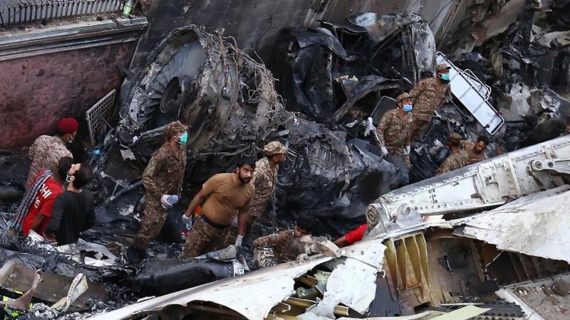 Броят на загиналите при катастрофата с пътнически самолет на авиокомпанията