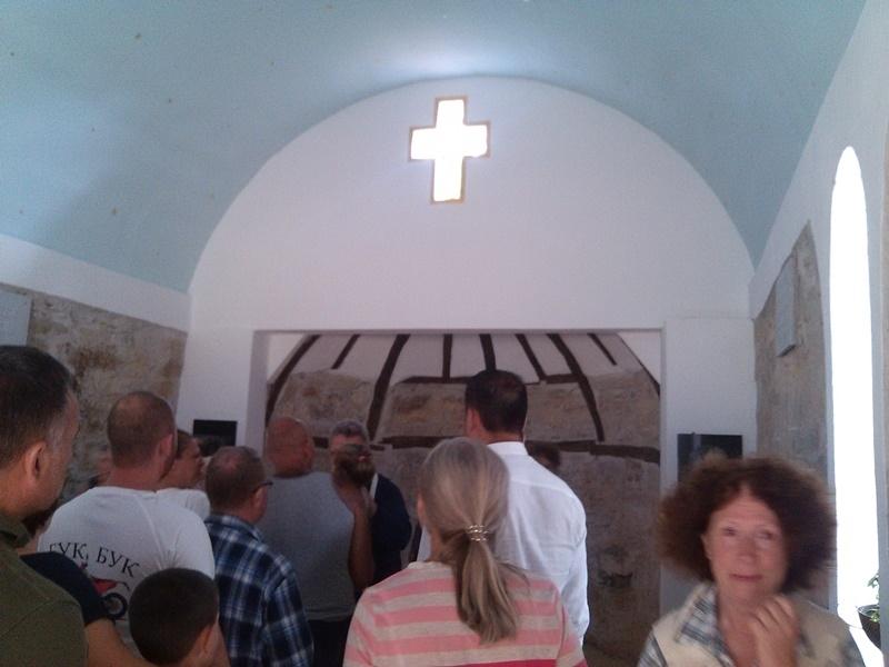 Снимка: Възстановиха вековен параклис в Долна Вереница