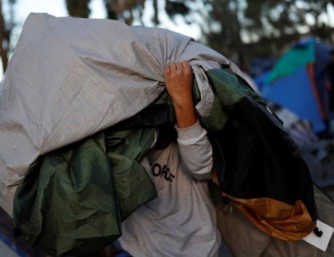 Девет мигранти, двама от които са били в състояние на