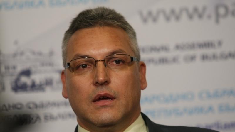 Парламентът гласува оставката на вицепремиера Валери Симеонов и заемането на