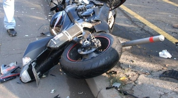 Моторист пострадапри пътен инцидент в района на кръговото кръстовище при