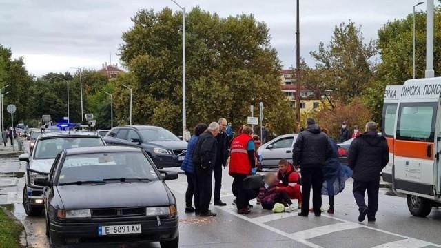 Възрастен шофьор блъсна 11-годишно дете на пешеходна пътека в Благоевград.