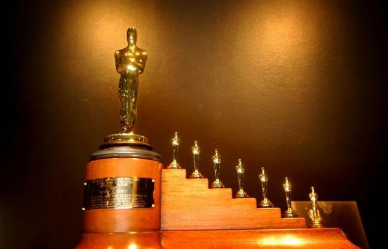 Оскарите остават без водещ