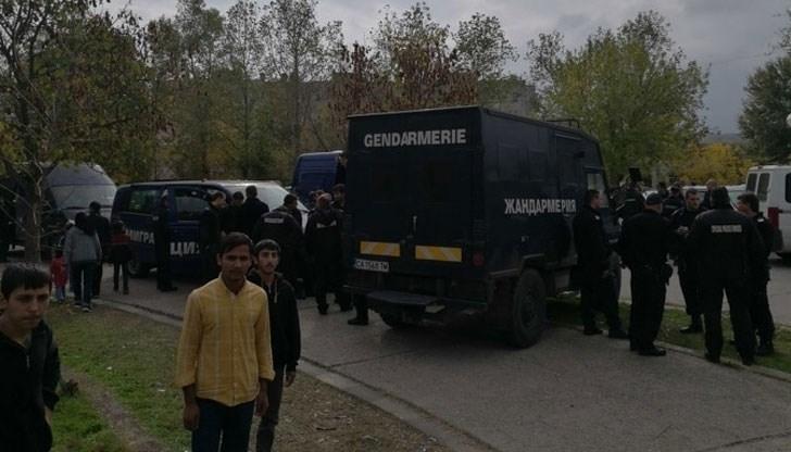 Банда цигани безчинства и граби коли и къщи цяла нощ в Карловско