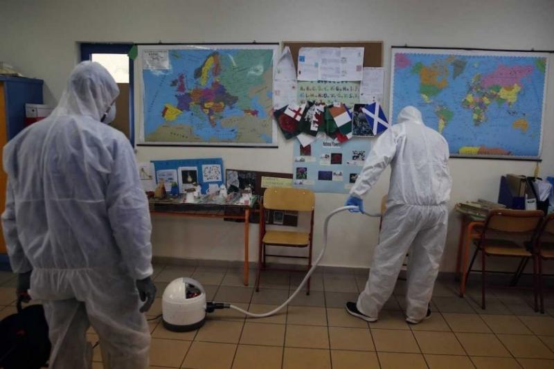 Десетки училища спират работа в Гърция заради случаи на заразяване