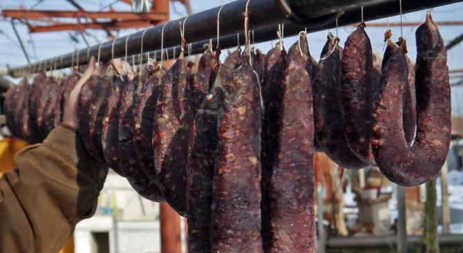 Да отпадне забраната за продажба на свинско месо и колбаси