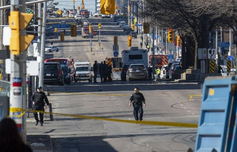 10 души загинаха, а 15 бяха ранени, след като ван