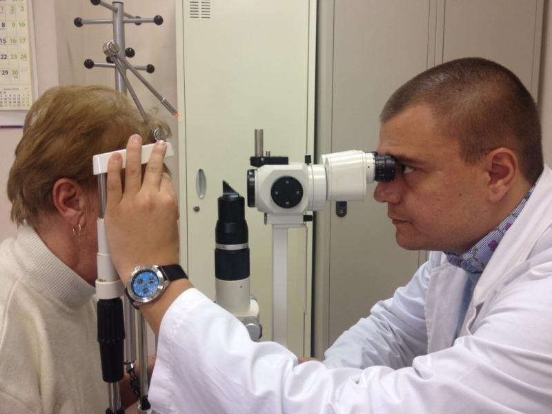 Един от водещите офталмолози у нас - д-р Яни Здравков,