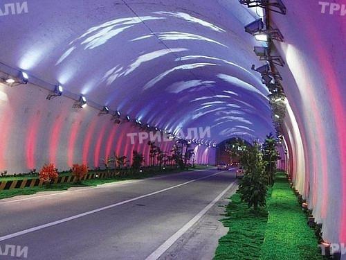 Тунелът край Кресна 14 пъти по-скъп от шампиона Лердал