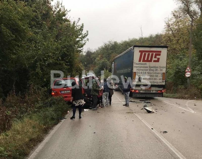 От последните минути! Свирепа катастрофа с монтански ТИР между Арчар и Видин, има много ранени /снимки/