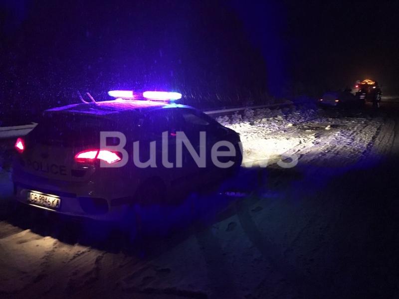 Преди минути стана факт първата снежна катастрофа във Враца, видя